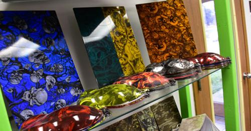 examples on display of patterns that can by used for hydro dipping items at splashed hydrographics, water transfer printing examples on display at splashed hydrographics, hydrographics photo gallery